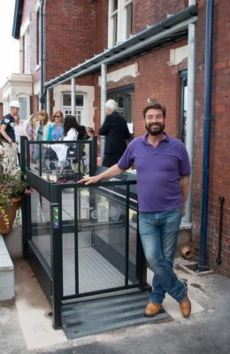 DIY-SOS-Nick-Knowles-with-Melody-1-Platform-Lift