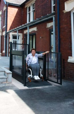 DIY-SOS-Woman-in-wheelchair-using-Melody-1-Platform-Lift