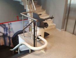canon-deneyim-merkezi-merdiven-asansoru-4