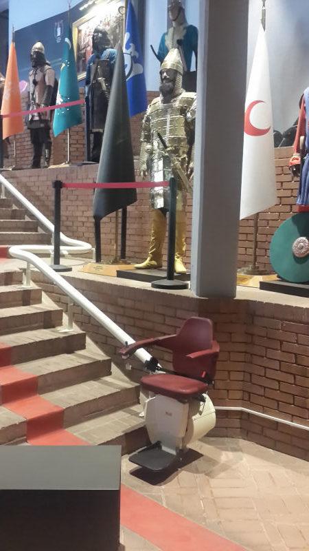 askeri-muze-merdiven-asansoru-8